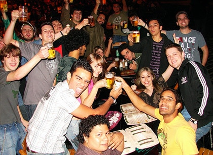 Galera bebendo no BlogCamPR