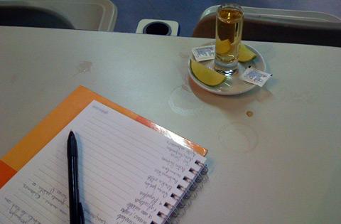 Caderno e Tequila Jose Cuervo Gold