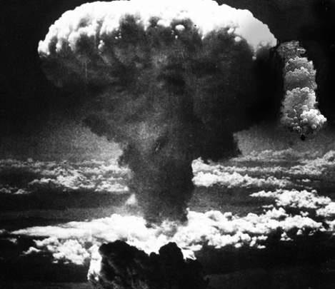 Padre com Bombas Atômicas