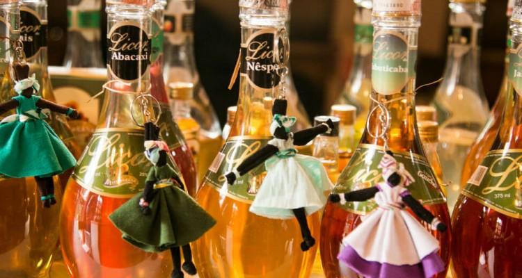 garrafas de cachaça