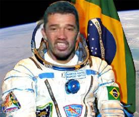 Jeremias bebum como astronauta