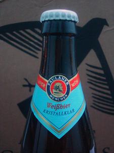 Rótulo superior da cerveja Paulaner Kristallklar