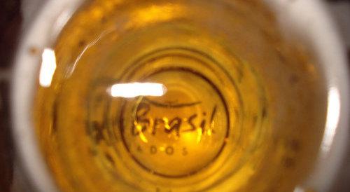 Brasil no fundo de um copo de cerveja