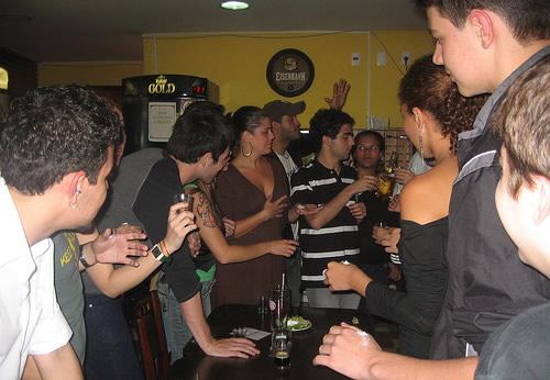 Galera bebendo no Tortula