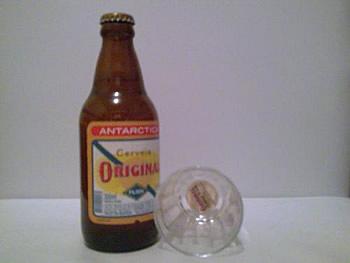 Garrafa e copo da Antarctica Original