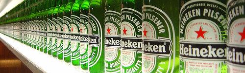 Garrafas da cerveja Heineken
