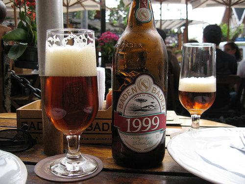 Garrafa e copo Baden Baden 1999