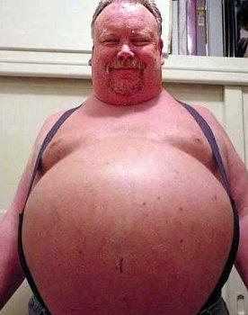 Gordo pançudo sem camisa