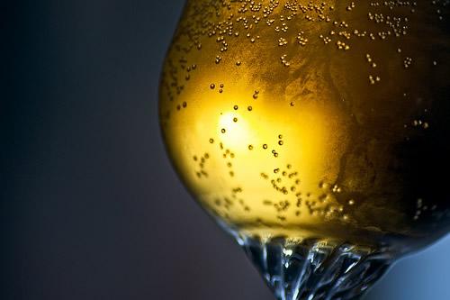 Base de um copo de cerveja