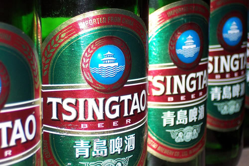 Garrafas da cerveja Tsingtao
