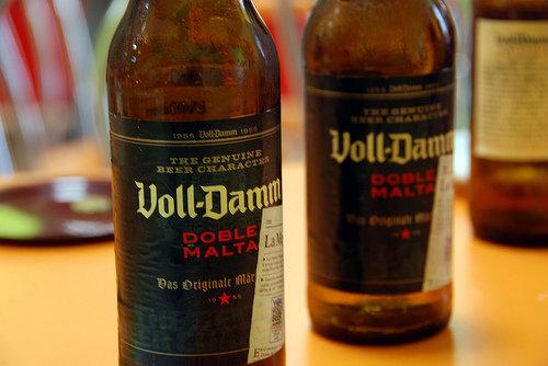 Garrafas da cerveja Doble Malta