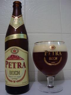 Garrafa e copo da cerveja Petra Bock