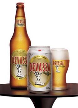 A cerveja Devassa Bem Loura
