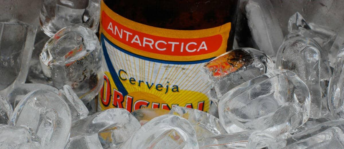 Garrafa da cerveja Original com gelo