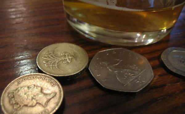 Cerveja e dinheiro