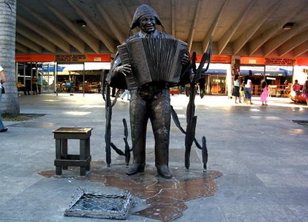 Estatua feira de sao cristovao