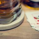 whisky, baralho e os naipes