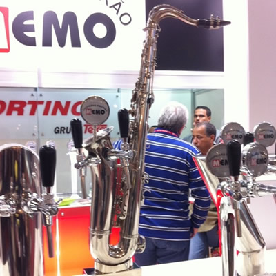 Chopeira feita com saxofone