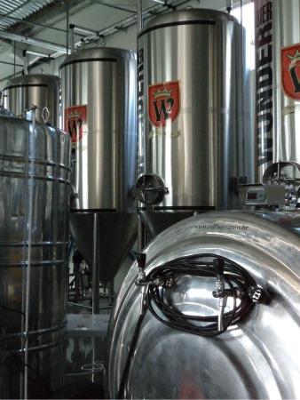 Estacionários da cervejaria Wunder Bier