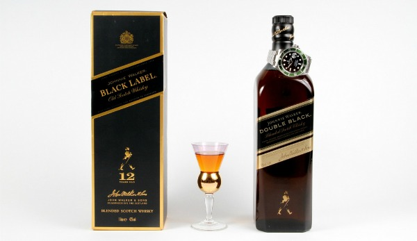 Garrafa de Double Black e Caixa de Black Label