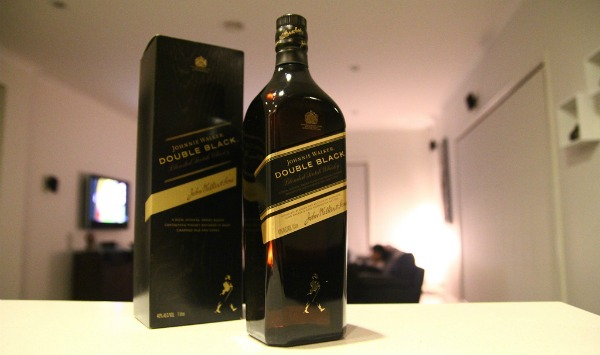 Garrafa e Caixa Johnnie Walker Double Black