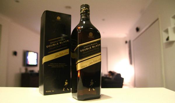Garrafa e Caixa Johnnie Walker Double Black