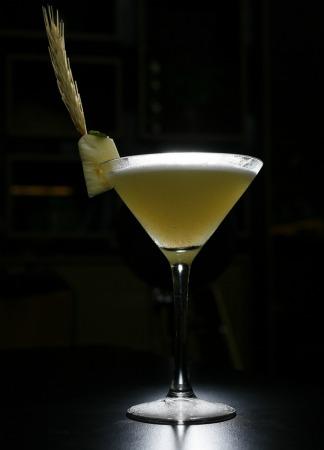 Drink cravo e canela com abacaxi