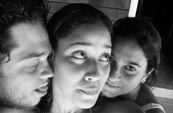 Menage com um homem e 2 mulheres