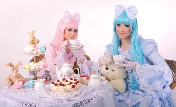 Duas garotas e um urso