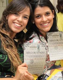 Meninas votando no Comida di Buteco