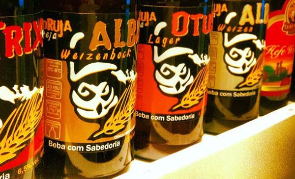 Garrafas da cerveja Coruja