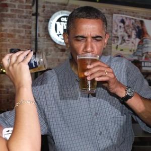 Obama bebendo cerveja