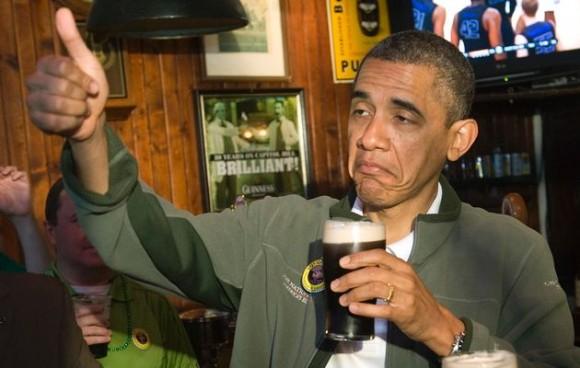 Obama fazendo sinal de OK