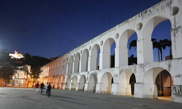 Arcos da Lapa durante a noite