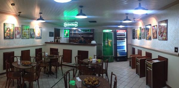 Bar da cervejaria Heineken