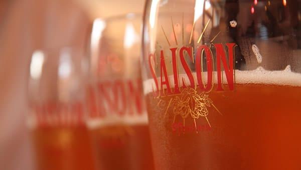 Copos da cerveja ST. Feuillien Saison