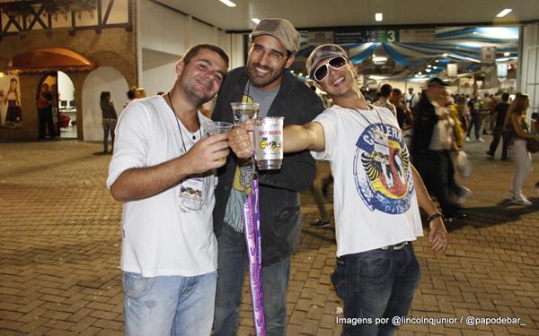 Daniel, Lincoln e Dulcetti representando o PdB na Oktoberfest