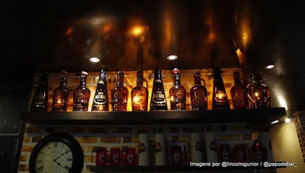 Garrafas de cerveja da Das Bier