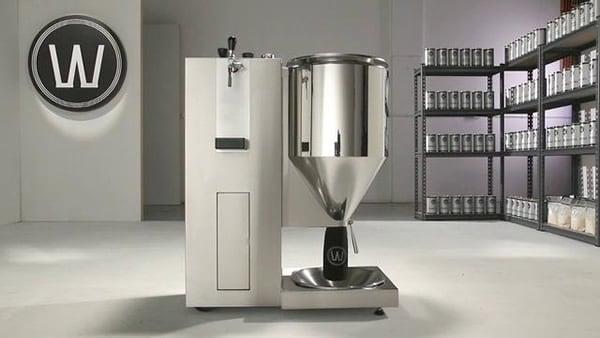 Máquina que faz cerveja