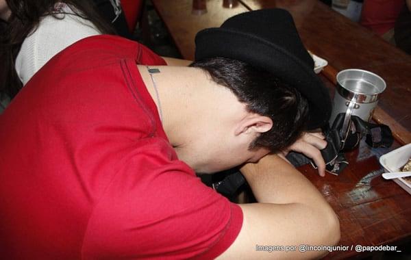 Bêbado dormindo