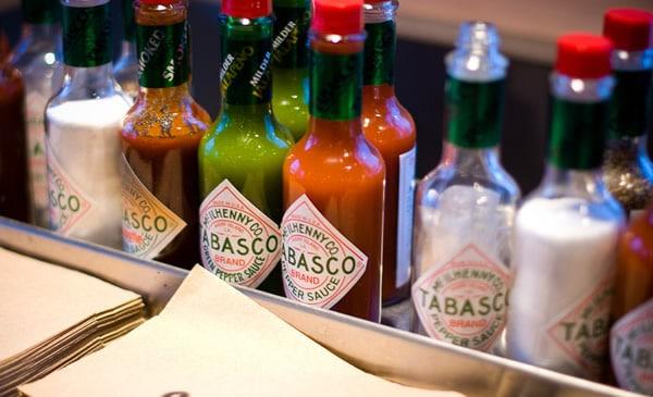 Frascos da pimenta Tabasco
