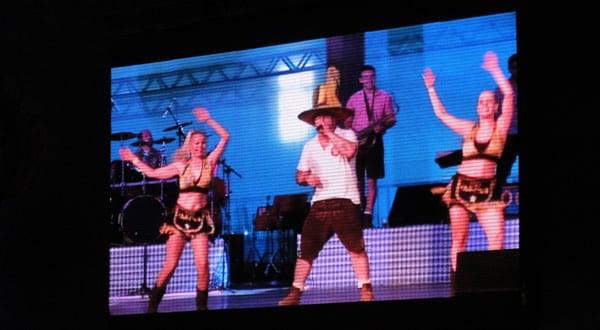 Dança na Oktoberfest SP