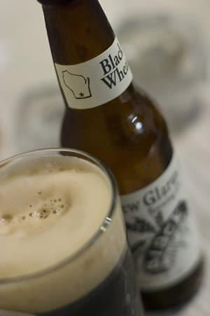 Garrafa da cerveja New Glarus Black Wheat
