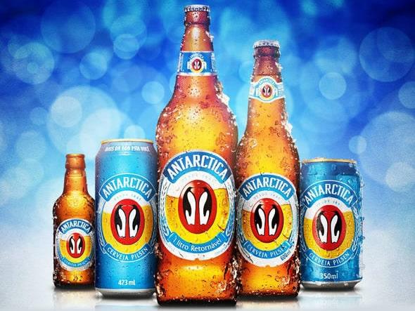 Garrafas da cerveja Antarctica