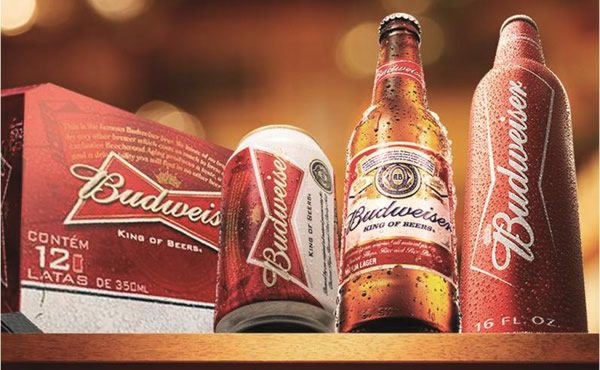 Garrafa e latas da Budweiser
