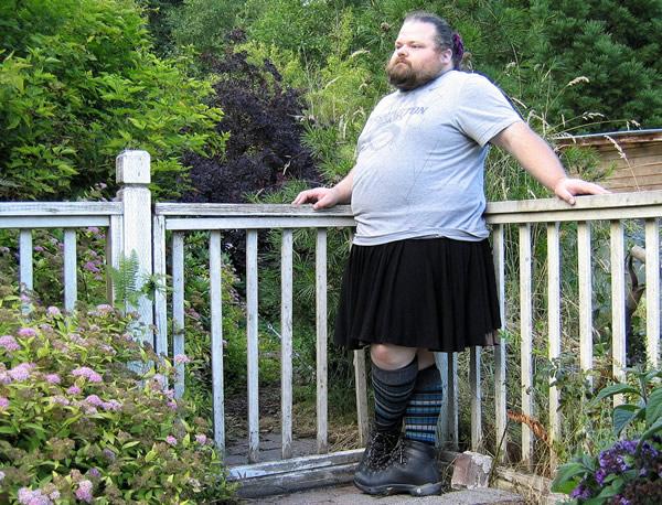 Gordo escroto vestido de mulher