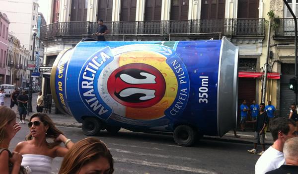 Carro de Latão da cerveja Antarctica
