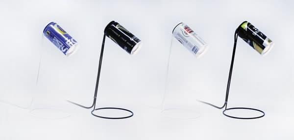 Luminárias feitas com latas