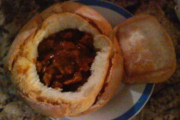 Moela feita na cerveja e dentro de um pão