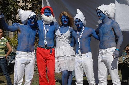 Galera fantasiada de Smurfs